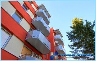 Skillnader mellan balkongen och en loggia