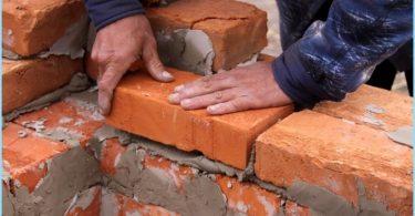 Hur man blandar lösningen för murade tegelstenar